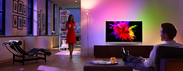 Wybitny Philips TV launches the world's only OLED 4K TV with Ambilight QS71